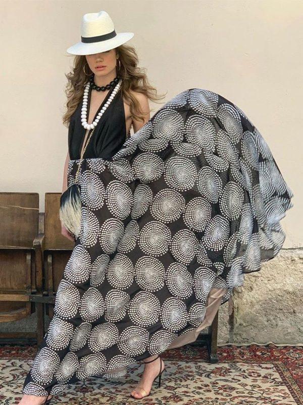 abito con fantasia geometrica