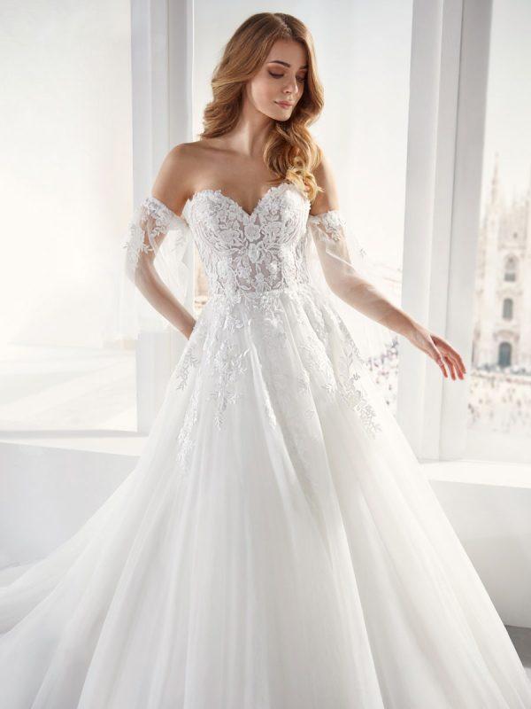 abiti da sposa con scollo a cuore