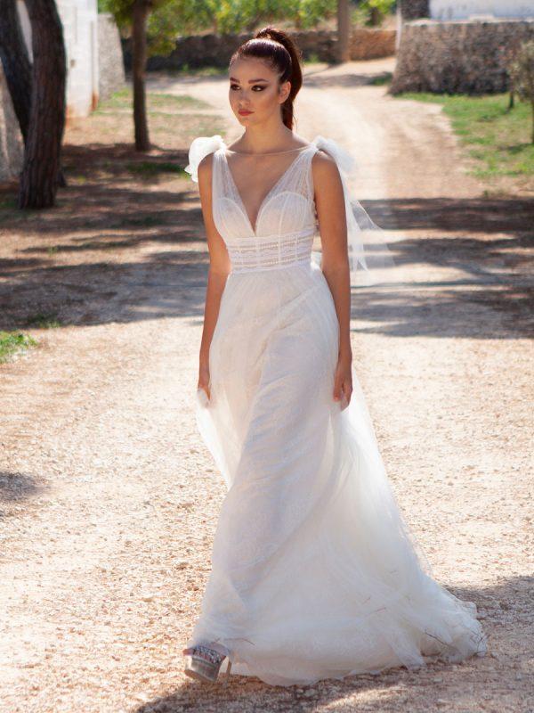 abito da sposa in tulle mano seta e pizzo chantilly